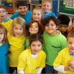 Erste Klasse jetzt mit T-Shirts ausgestattet