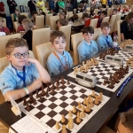 Montis im Schach und Schwimmen erfolgreich